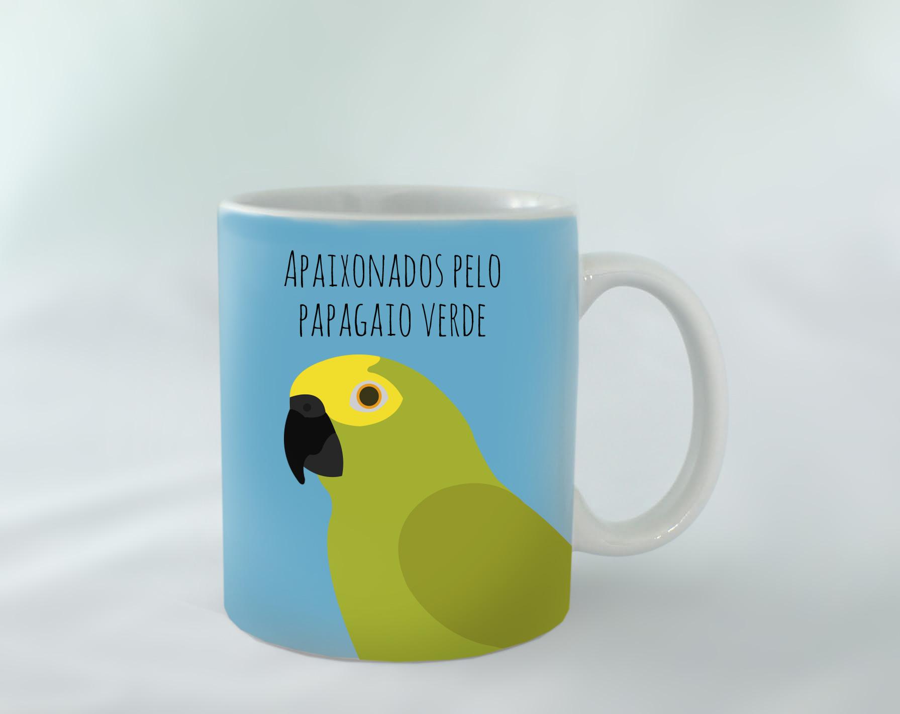 Caneca-papagaio-verde-azul